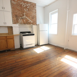 A $2,350.00, 2 bed / 1 bathroom apartment in Greenpoint