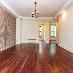 A $2,500.00, 3 bed / 1 bathroom apartment in Bushwick