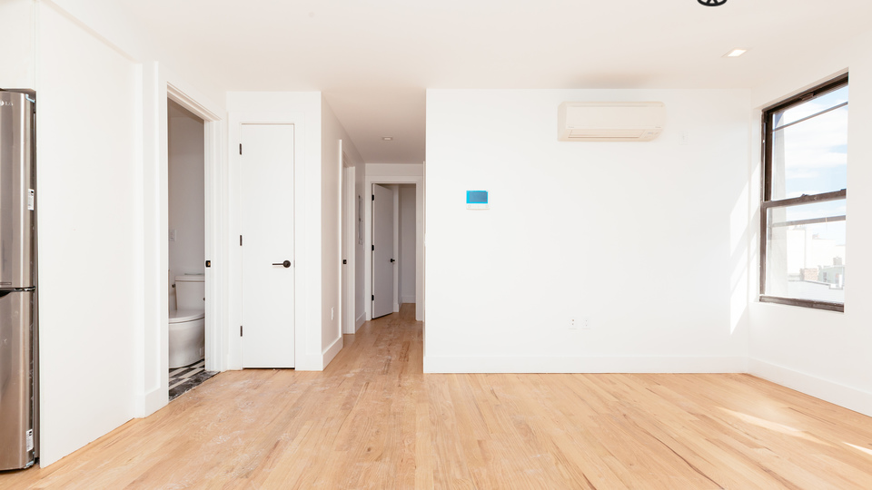 A $3,700.00, 3 bed / 1 bathroom apartment in Greenpoint