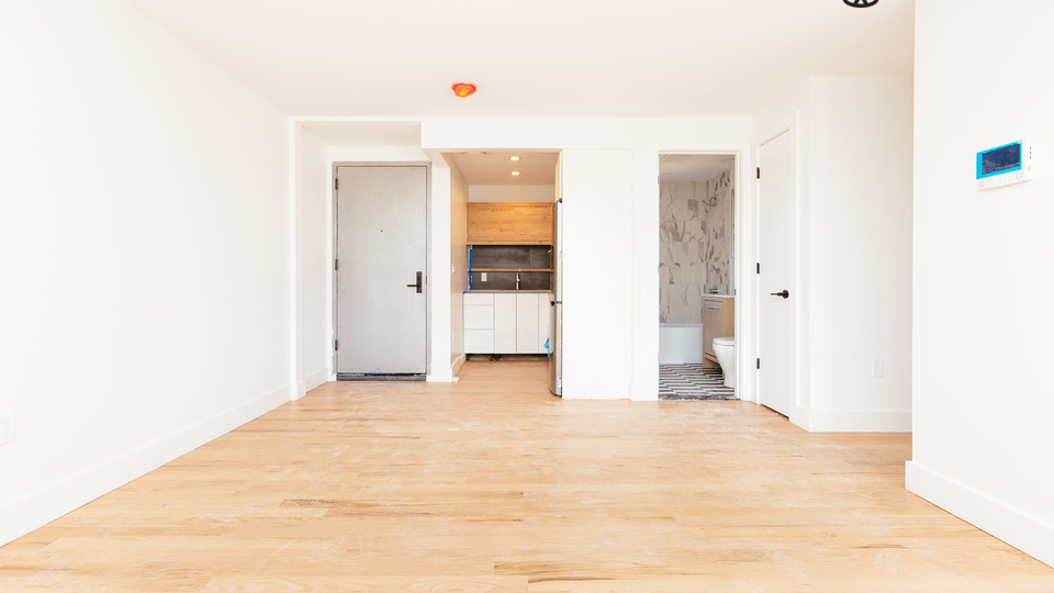A $3,350.00, 3 bed / 1 bathroom apartment in Greenpoint