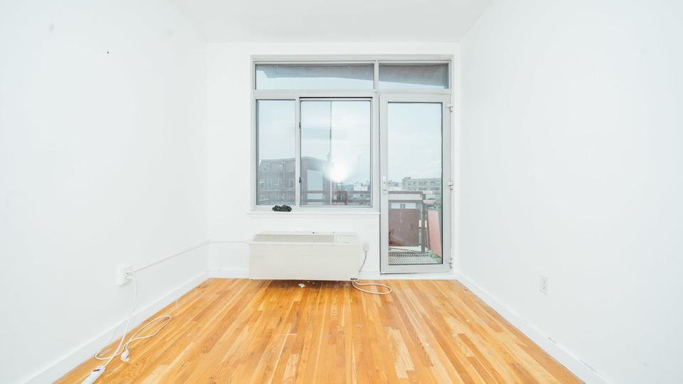 A $2,382.00, 2 bed / 1 bathroom apartment in Bushwick