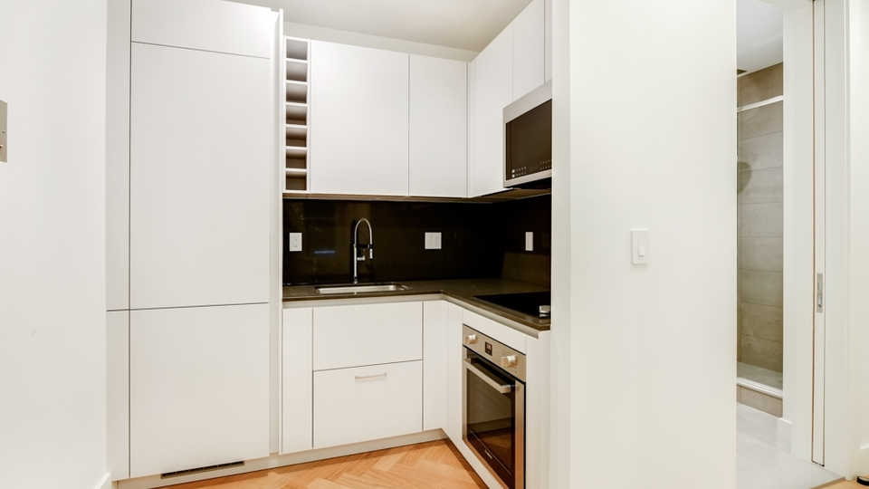 A $2,150.00, 0 bed / 1 bathroom apartment in South Slope
