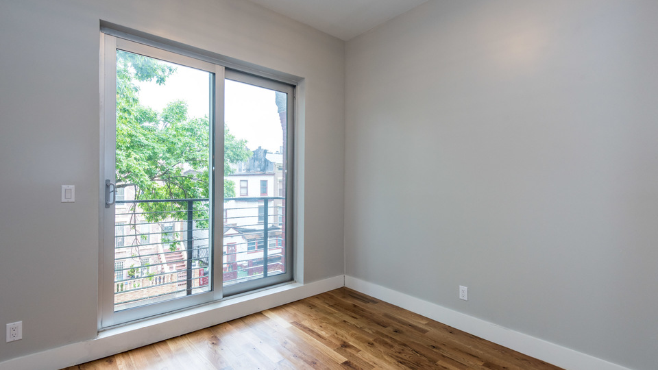 A $2,613.00, 3 bed / 1 bathroom apartment in Bed-Stuy