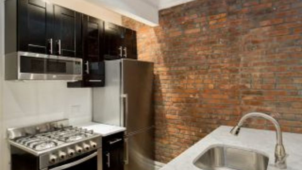 A $3,627.00, 2 bed / 1 bathroom apartment in Upper East Side
