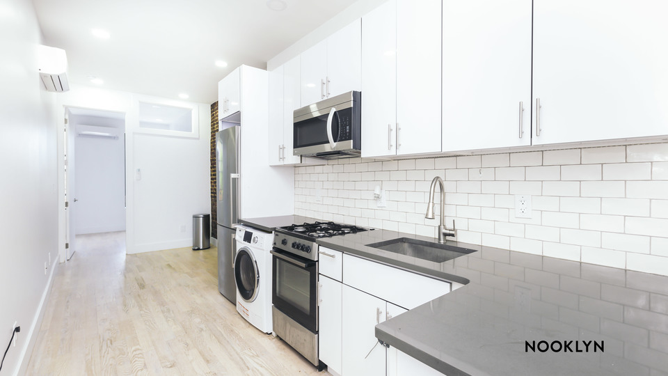 A $2,337.00, 3 bed / 1 bathroom apartment in Ridgewood