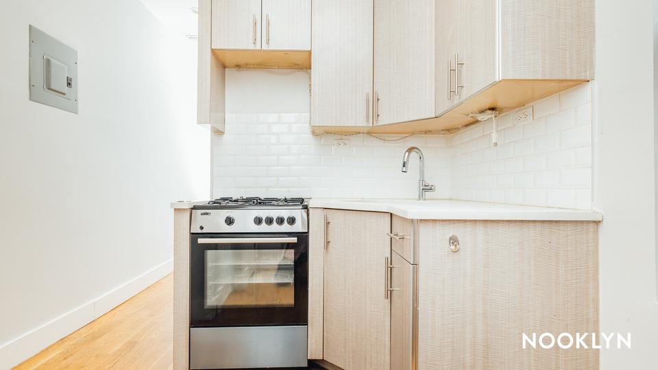 A $2,650.00, 4 bed / 1 bathroom apartment in Ridgewood