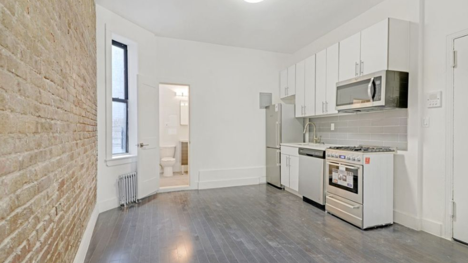 A $2,675.00, 0.5 bed / 1 bathroom apartment in East Village