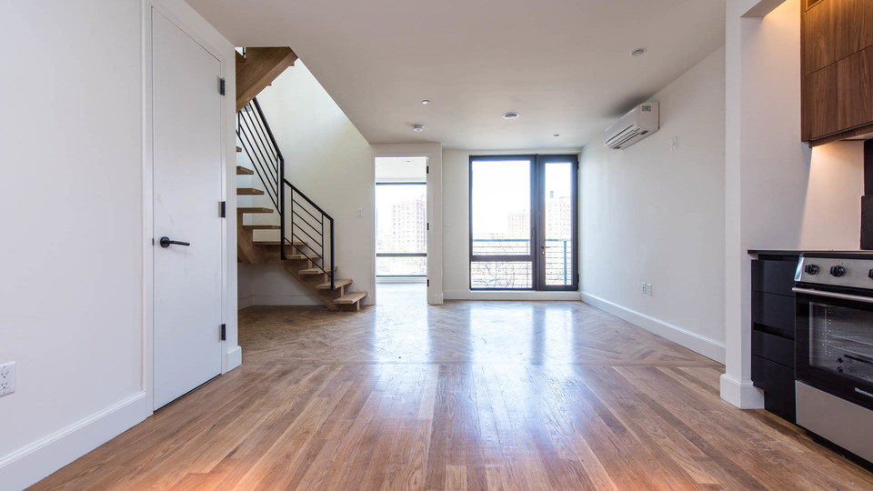 A $4,950.00, 3 bed / 2 bathroom apartment in Downtown Brooklyn