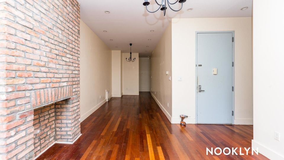 A $3,900.00, 4 bed / 2 bathroom apartment in Williamsburg