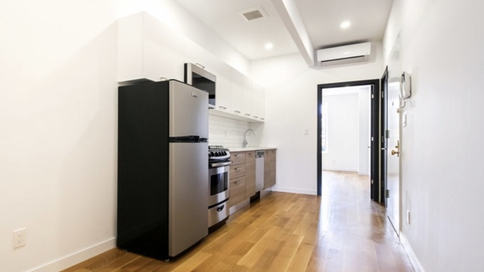 A $2,295.00, 3 bed / 2 bathroom apartment in Bushwick