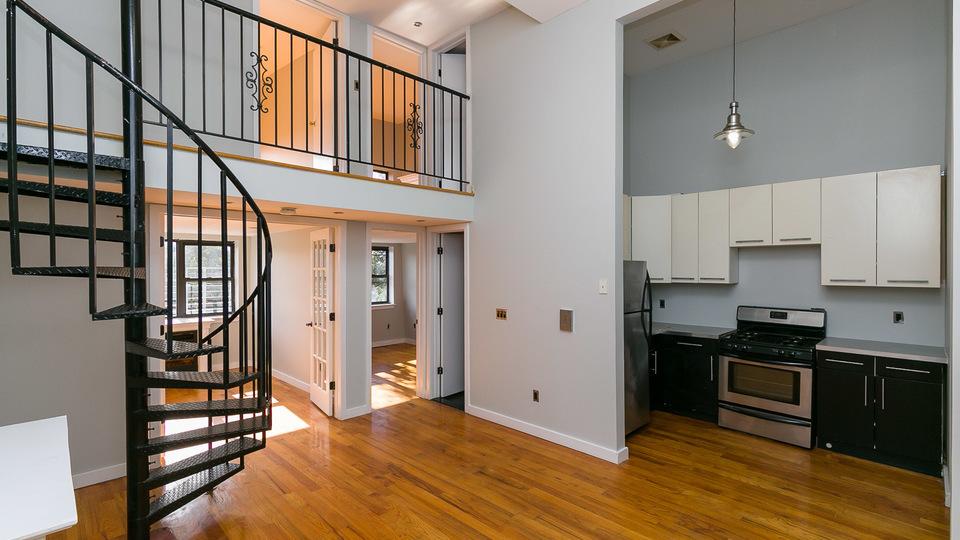 A $2,600.00, 4 bed / 2 bathroom apartment in Bushwick