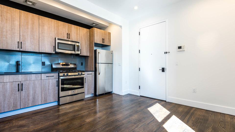A $3,000.00, 3 bed / 2 bathroom apartment in Bushwick