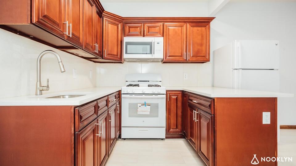A $2,100.00, 2 bed / 2 bathroom apartment in Bushwick