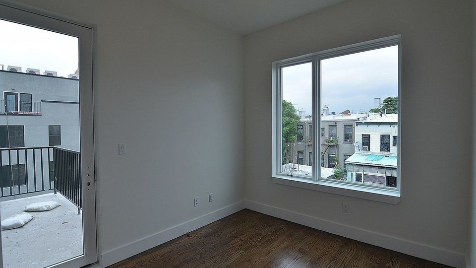 A $3,900.00, 3 bed / 3 bathroom apartment in Williamsburg