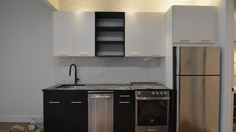 A $4,700.00, 4 bed / 3 bathroom apartment in Williamsburg