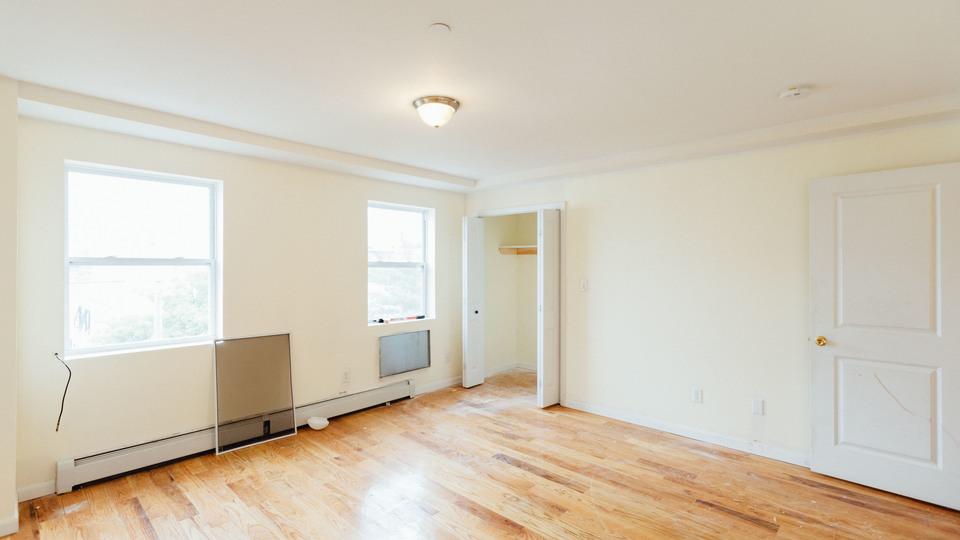 A $3,400.00, 4 bed / 2.5 bathroom apartment in Bushwick