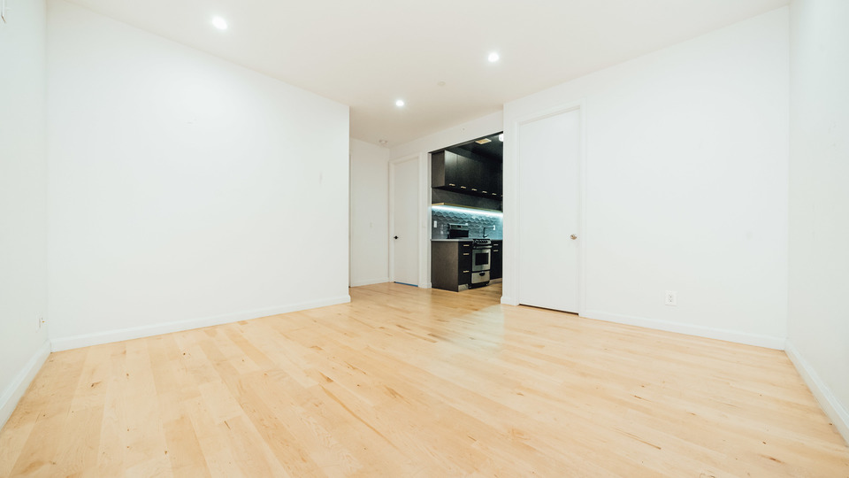 A $2,100.00, 3 bed / 1 bathroom apartment in Bushwick