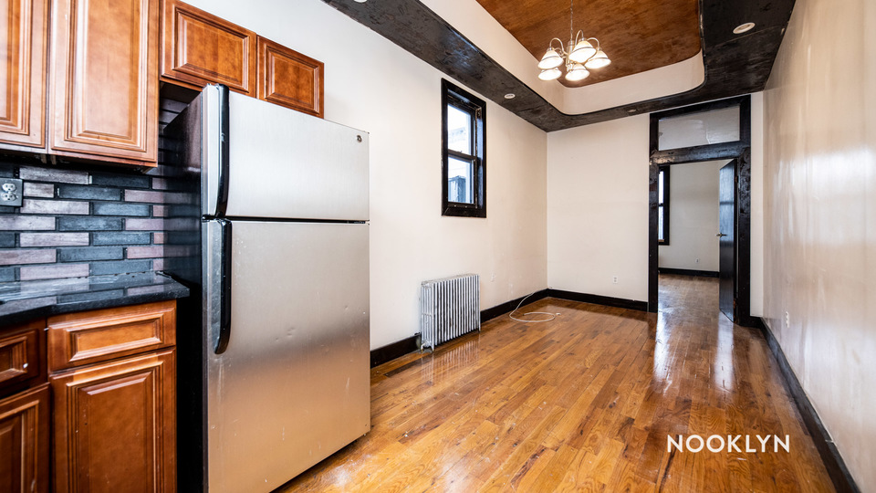A $2,200.00, 3 bed / 1.5 bathroom apartment in Bushwick