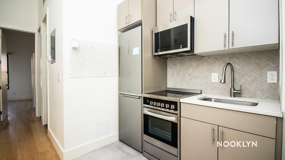 A $2,625.00, 3 bed / 2 bathroom apartment in Greenpoint