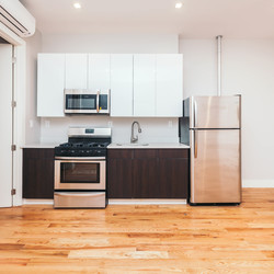 A $4,000.00, 4 bed / 1 bathroom apartment in Williamsburg