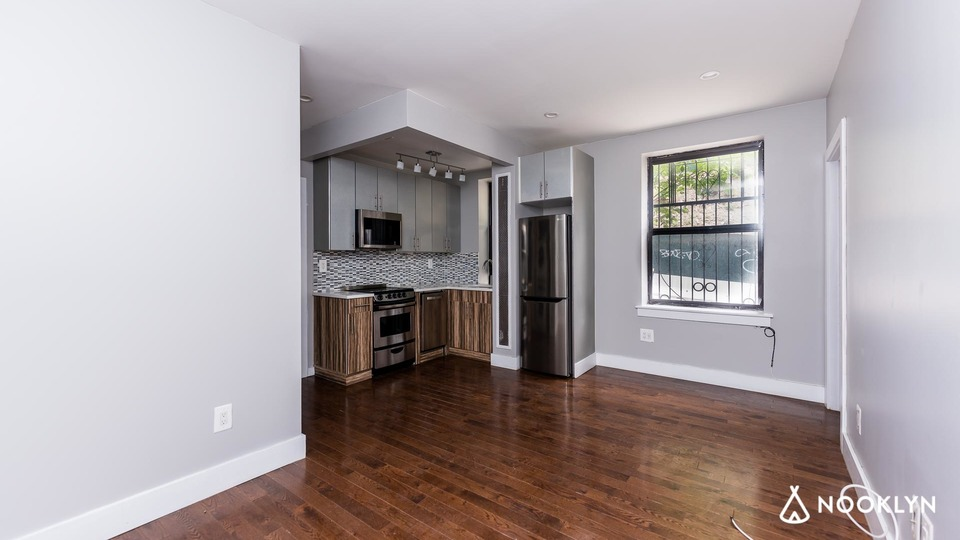 A $2,195.00, 2 bed / 1 bathroom apartment in Washington Heights