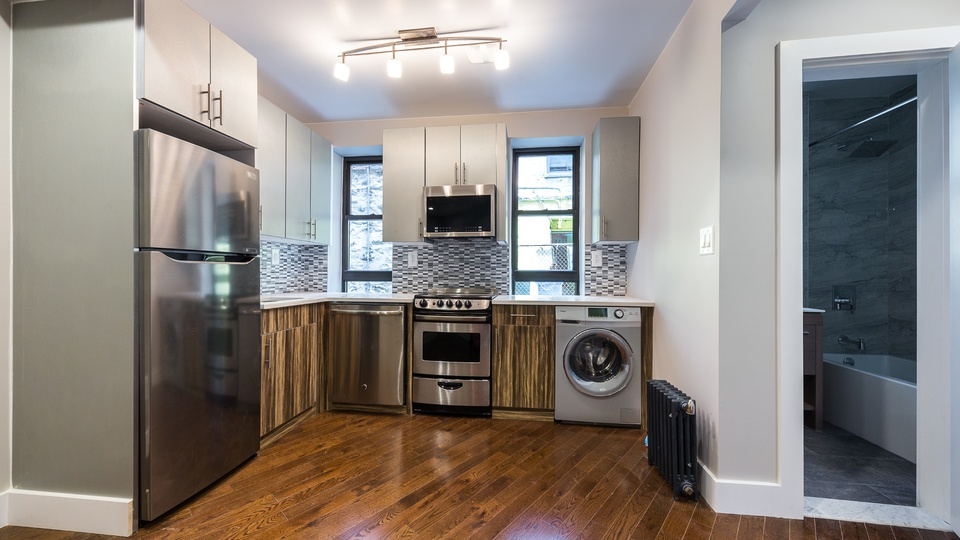 A $2,249.00, 2 bed / 1 bathroom apartment in Washington Heights