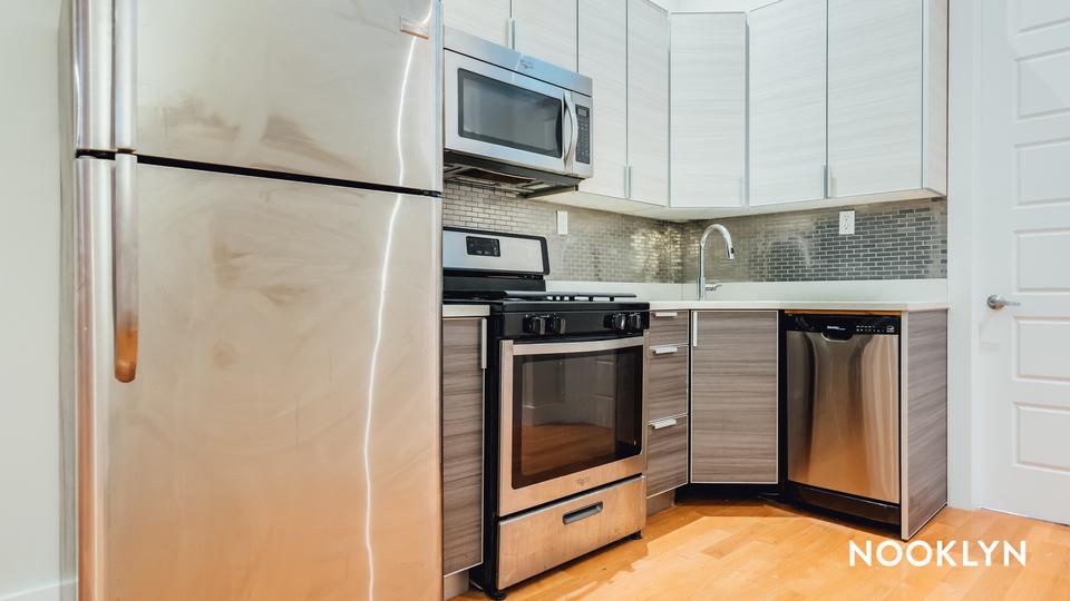 A $2,450.00, 3 bed / 1.5 bathroom apartment in Bushwick