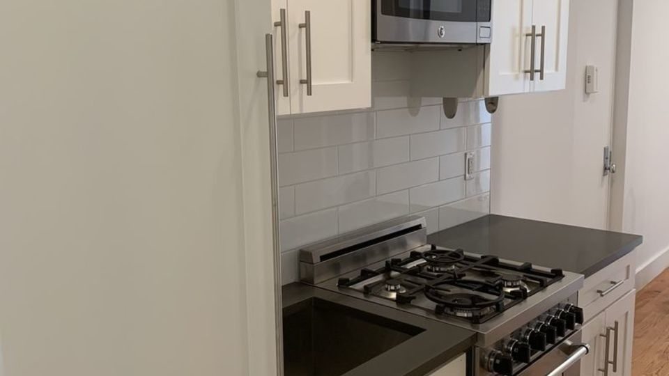 A $2,595.00, 1 bed / 1 bathroom apartment in Upper East Side