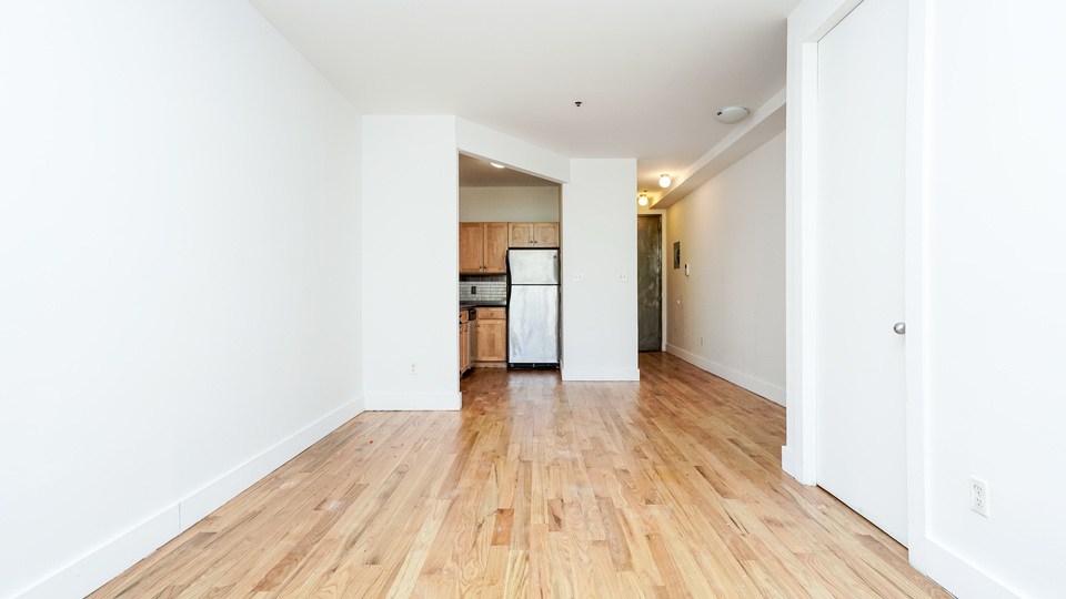 A $3,725.00, 4 bed / 1 bathroom apartment in Crown Heights