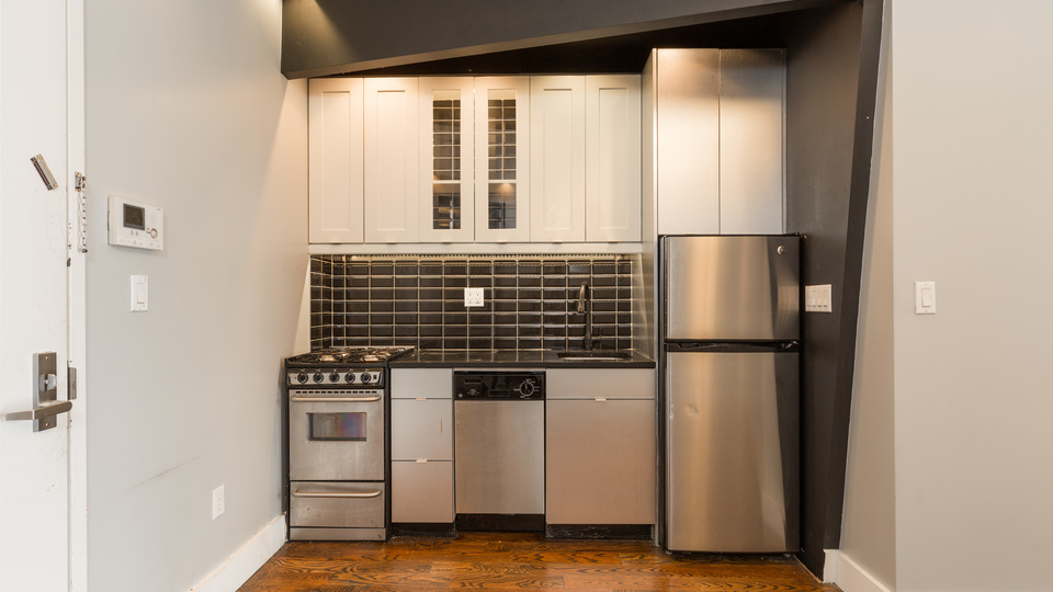 A $2,350.00, 3 bed / 1.5 bathroom apartment in Bed-Stuy