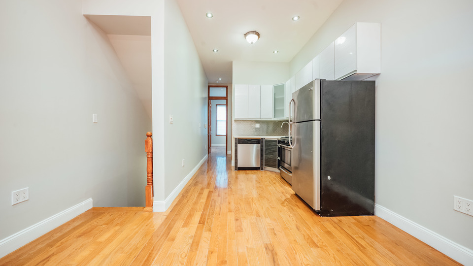 A $3,300.00, 2.5 bed / 2 bathroom apartment in Williamsburg