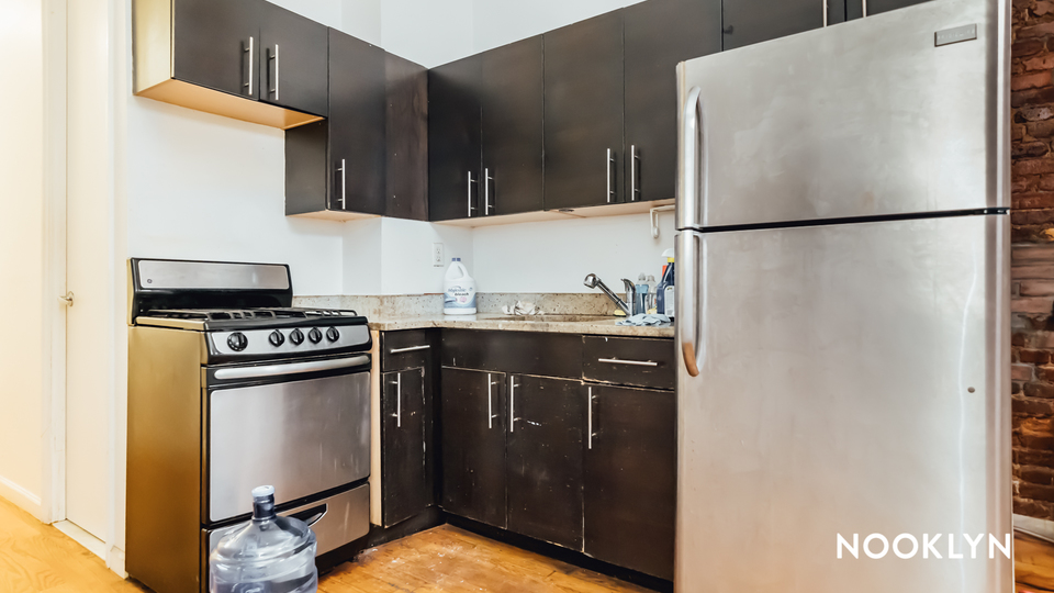 A $2,950.00, 4 bed / 1 bathroom apartment in Crown Heights