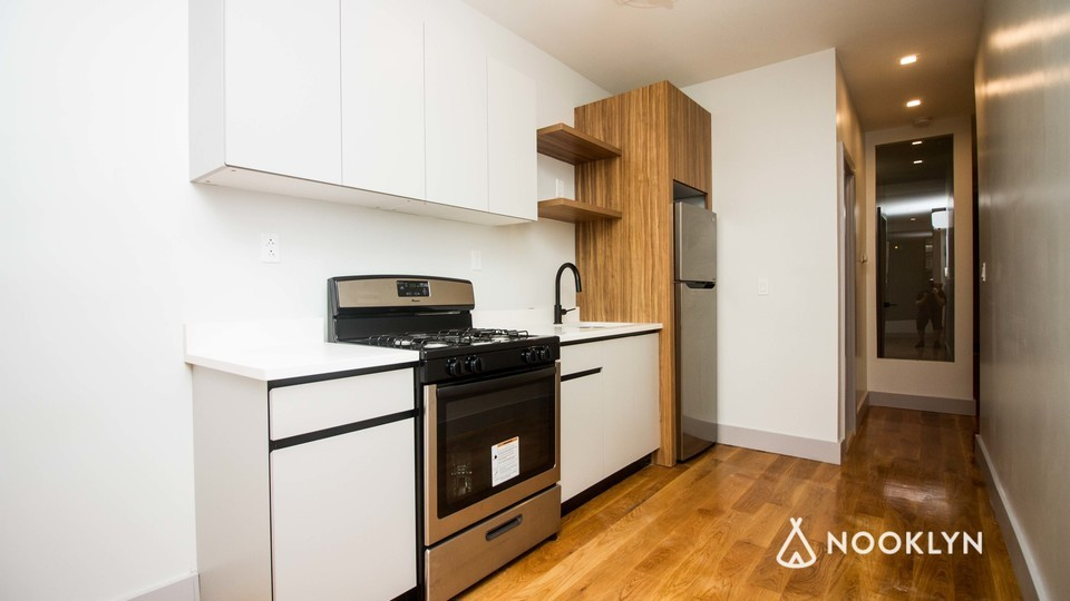 A $3,165.00, 3 bed / 1 bathroom apartment in Williamsburg