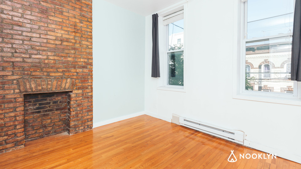 A $2,499.00, 3 bed / 1 bathroom apartment in Bushwick
