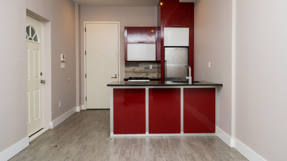 A $2,295.00, 3 bed / 1 bathroom apartment in Crown Heights