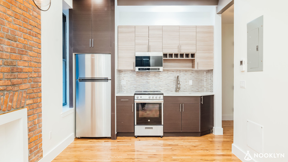 A $2,700.00, 2 bed / 2 bathroom apartment in Williamsburg