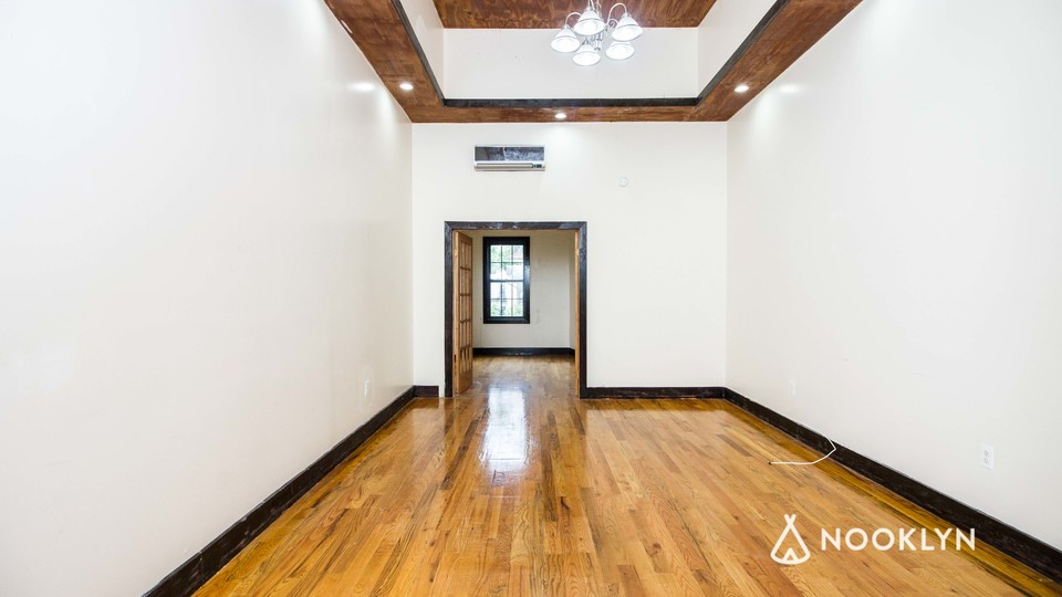 A $2,600.00, 3 bed / 1.5 bathroom apartment in Bushwick
