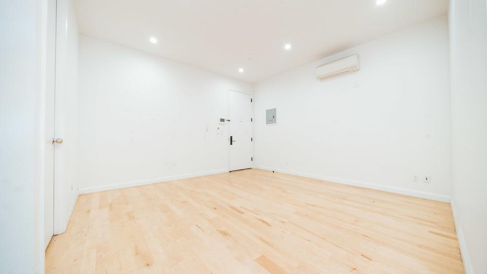 A $2,475.00, 3 bed / 1 bathroom apartment in Bushwick