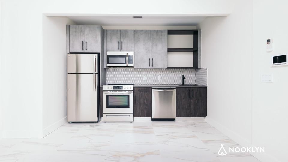 A $2,415.00, 2 bed / 1 bathroom apartment in Bushwick