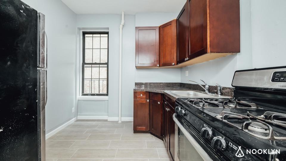 A $3,700.00, 4 bed / 1 bathroom apartment in Bushwick