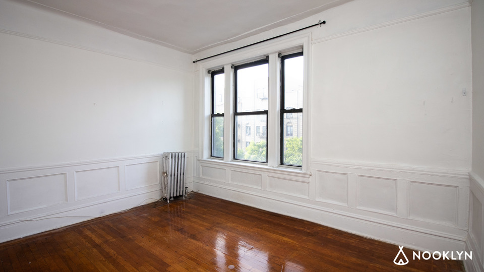 A $3,250.00, 3 bed / 1 bathroom apartment in Prospect Heights