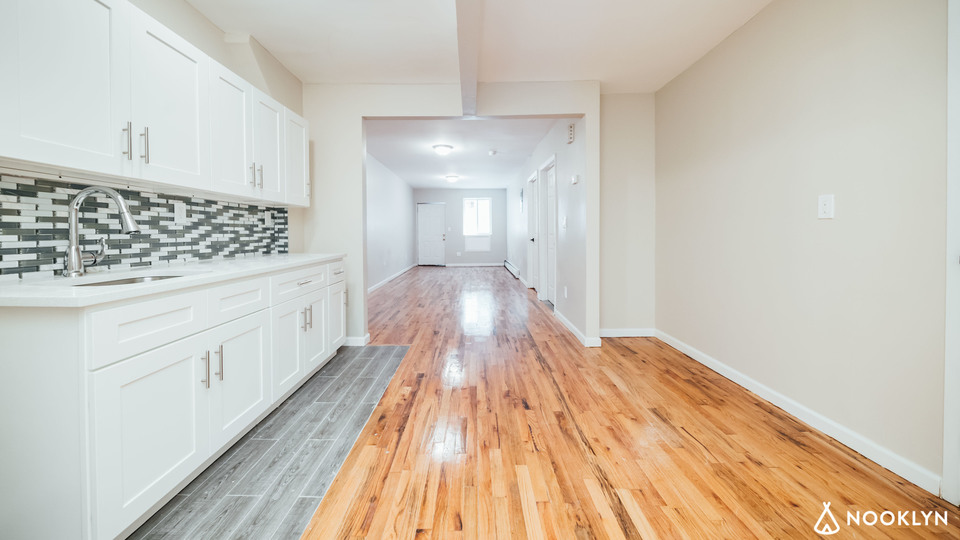 A $1,975.00, 1 bed / 1 bathroom apartment in Longwood