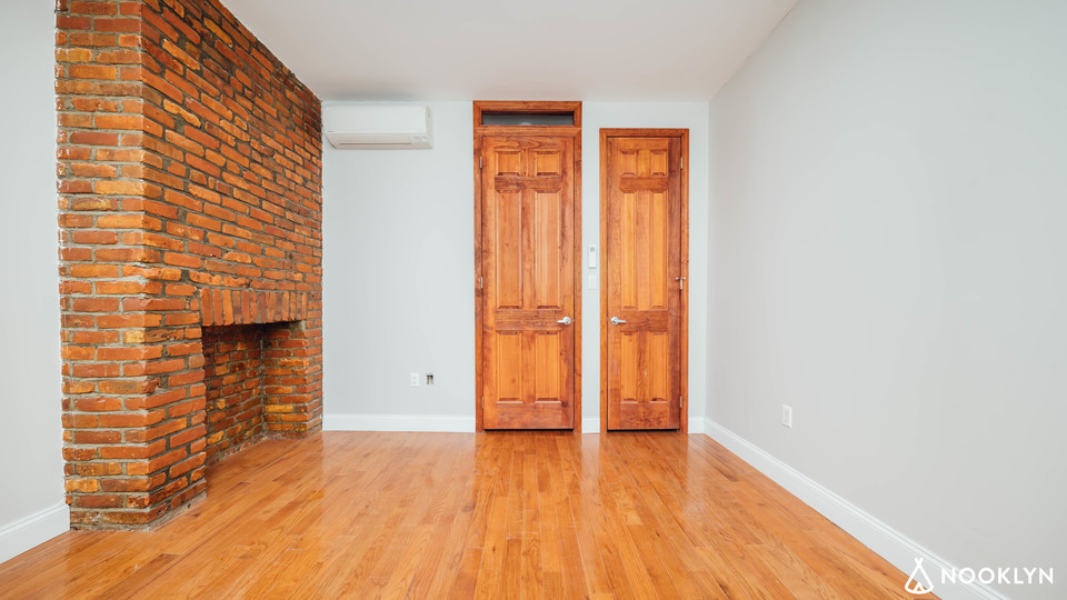 A $2,450.00, 2 bed / 1 bathroom apartment in Williamsburg