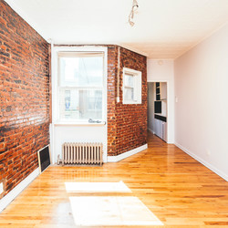A $3,400.00, 3 bed / 1 bathroom apartment in Greenpoint