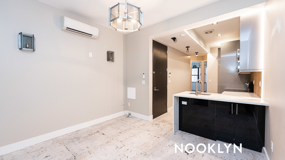 A $3,000.00, 3 bed / 3 bathroom apartment in Williamsburg