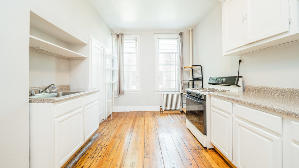 A $2,189.00, 2 bed / 1 bathroom apartment in Williamsburg