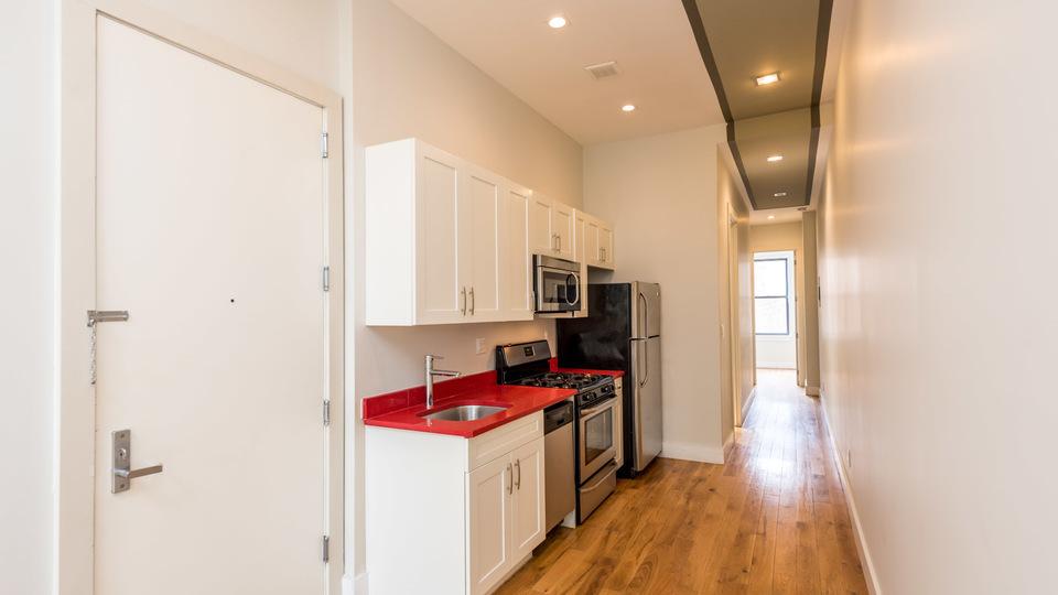 A $2,335.00, 3 bed / 1 bathroom apartment in Bushwick