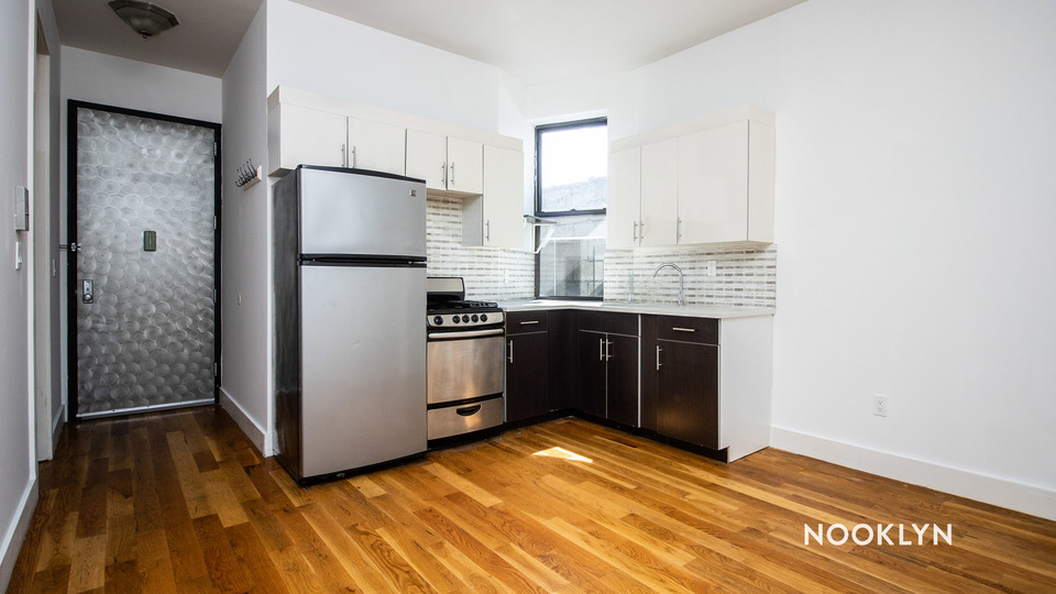 A $2,650.00, 4 bed / 1 bathroom apartment in Bed-Stuy