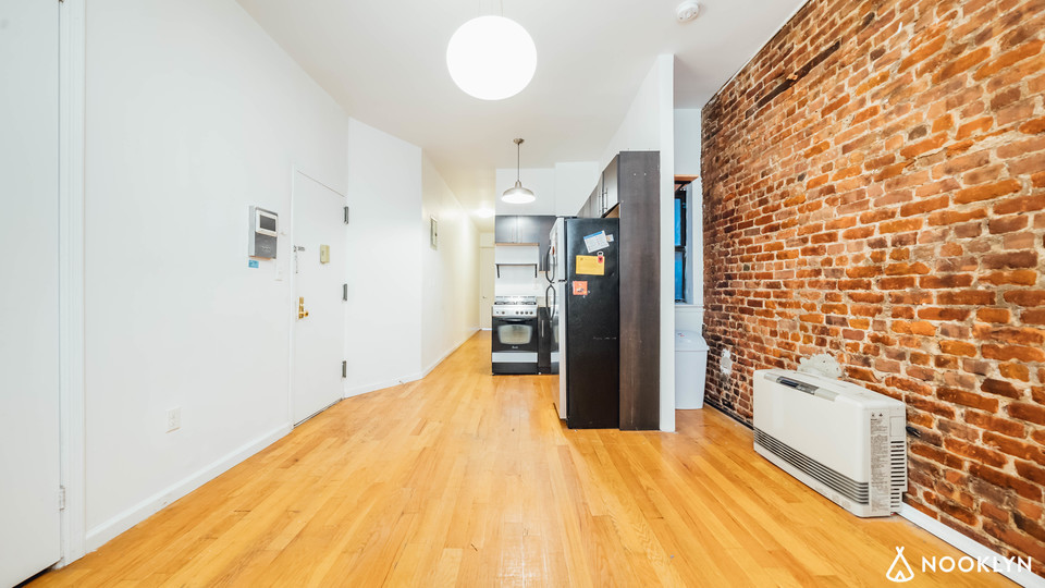 A $2,750.00, 3 bed / 1 bathroom apartment in Crown Heights
