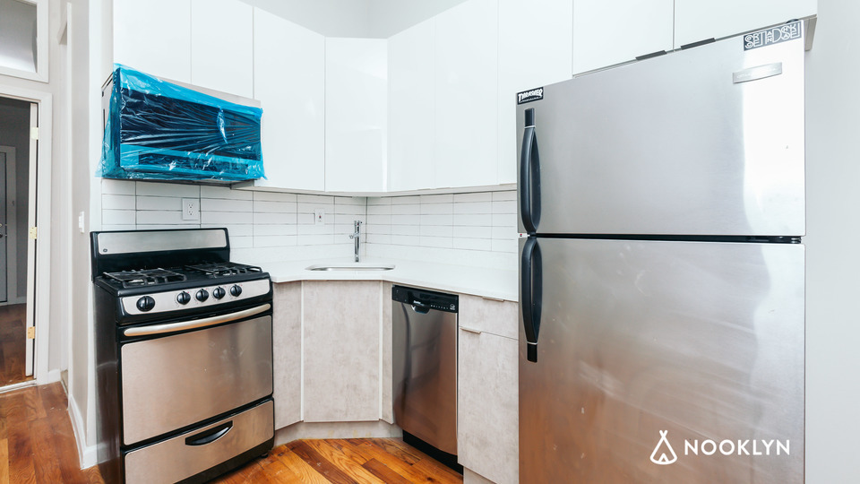 A $2,560.00, 2 bed / 1 bathroom apartment in Williamsburg